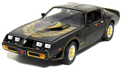 Pontiac Diecast  Greenlight 1/18th Scale Model 1980 Pontiac Trans Am Black Gold Chicken Bandit