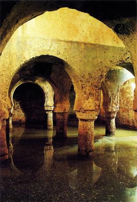 Cisterna almohade en Cáceres.