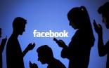 """Τη ροή της ειδησεογραφίας στον """"τοίχο"""" του Facebook προτιμά η γενιά των 20άρηδων (Millennials), σύμφωνα με έρευνα του Pew Researc..."""