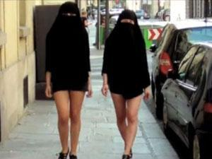 نساء عربيات تحت العبايه ,, بدون ملابس