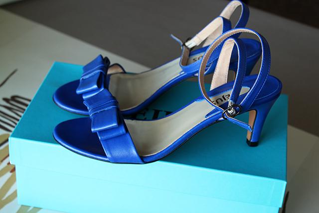 zapatos azul klein yacare