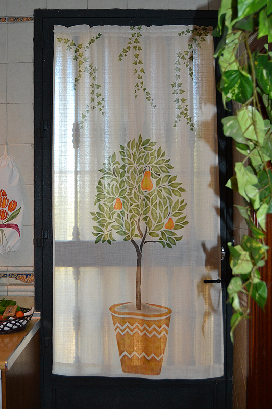 Pepa casado dise o de cortinas agosto 2012 for Disenos de cortinas de cocina