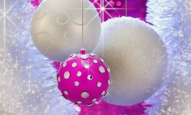 images of christmas balls