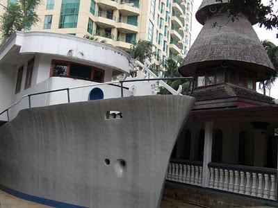 Mesjid dengan Arsitek Terunik di Indonesia
