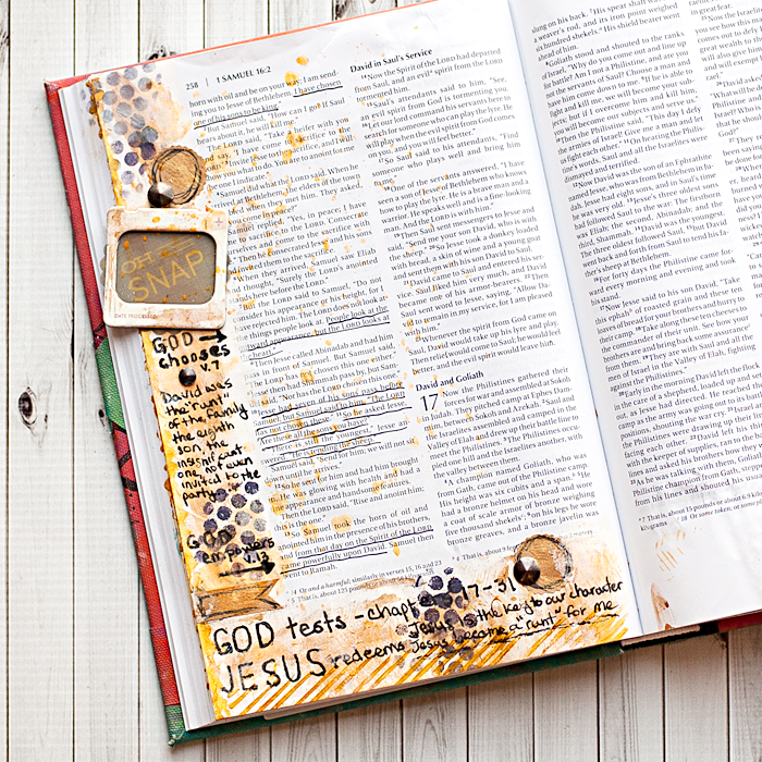 Heather Greenwood Designs | Art Journal Bible Tutorial: Finger Painting | #artworship #journaling bible #wheatonbible