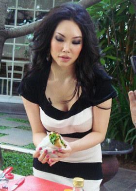 5 Perempuan Indonesia Terseksi Sejagat 2012