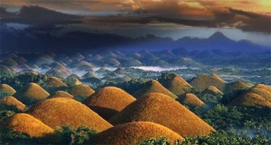 Chocolate-Hills-Bohol-Filipina-2