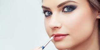 6 Alasan Sebaiknya Kalian Tidak Memakai Make Up Tiap Hari