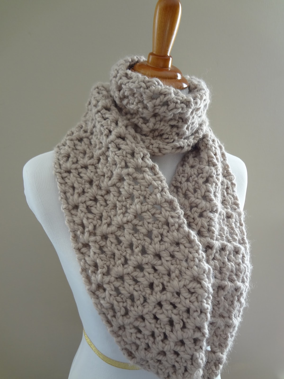 Crochet Stitches Good For Scarves : scarf pictured is 60 inches long easily customize Easy Free Crochet ...