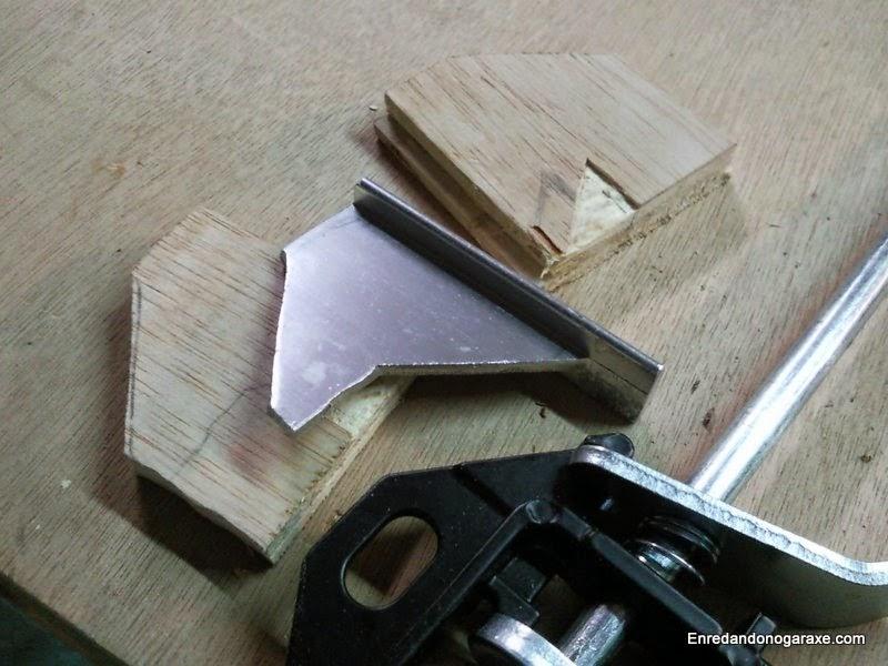 Refuerzo de aluminio de la mandíbula fija. Enredandonogaraxe.com