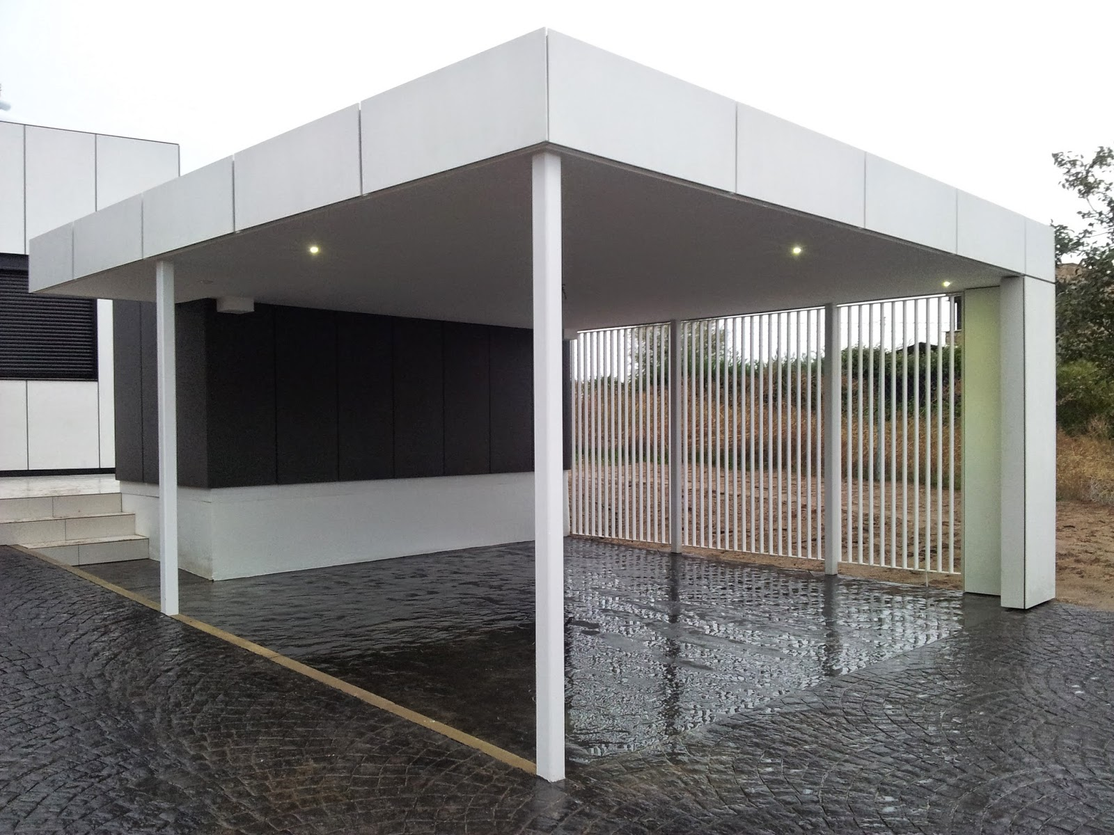 Garaje modular abierto de Resan