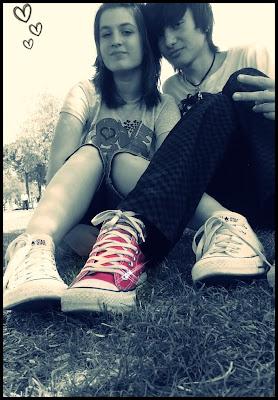 http://3.bp.blogspot.com/-YSSYxn55biU/Td_IzQrl1SI/AAAAAAAAAng/KfVwh6_CwnU/s640/emo+love+girl+and+boy+4.jpg