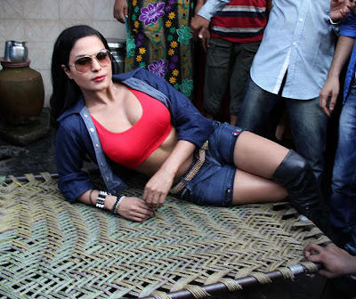 Veena Malik Hot photos at Kamathipura 005 Veena Malik hot Photoshoot at Kamathipura