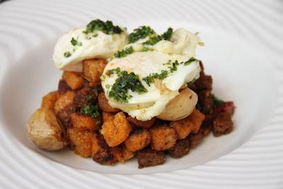Las Migas de Nuestros Panes con Jamón y Tocineta Ibiericos y Huevos de Corral Frito. Blog Esteban Capdevila