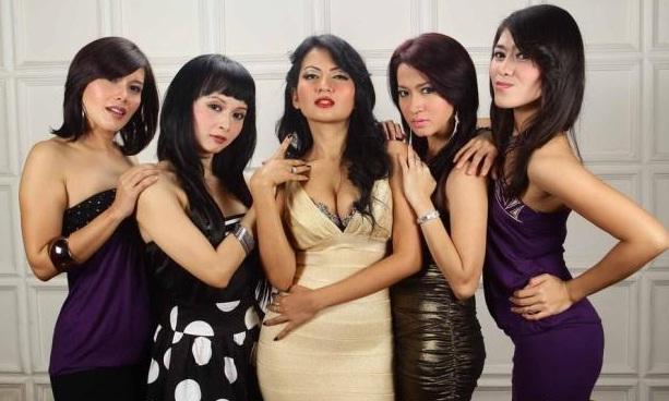 "ABG Syur: INDONESIA GIRLS : D""MANTANS - JANDA JANDA BENING"