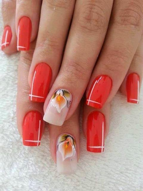Uñas decoradas con flores - en gel