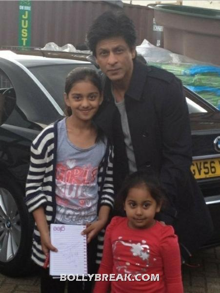 Srk with his little fans in london - (3) -  Shahrukh Khan london fan pics