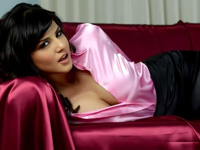 Super Hot Sexy Indian Actress Sunny Leone Pics and Wallpapers, Latest Collection of  Super Hot Sunny Leone Sexy Photos.