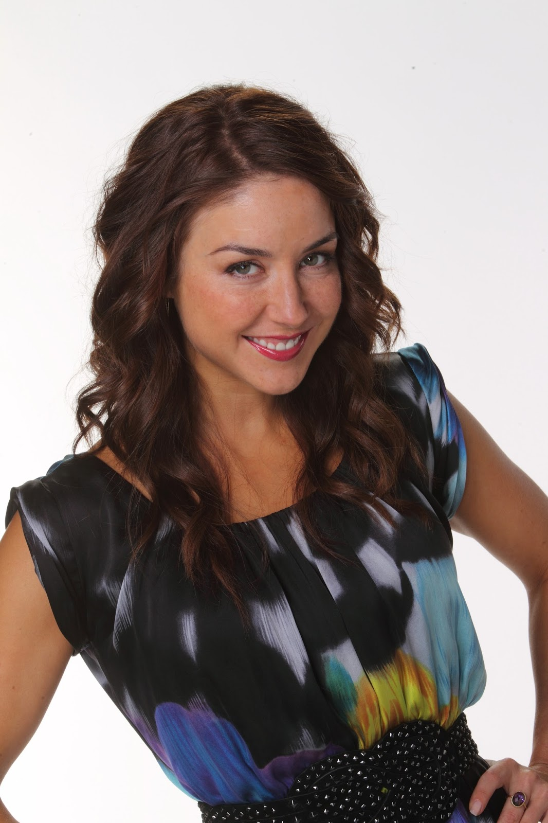 celebrity pics  erin karpluk