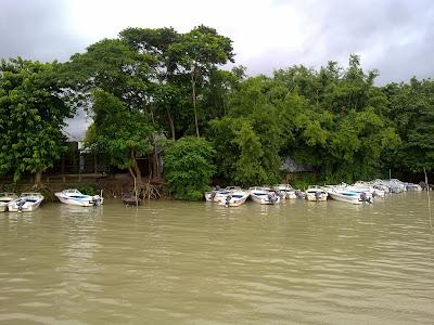boat journey Bangladesh
