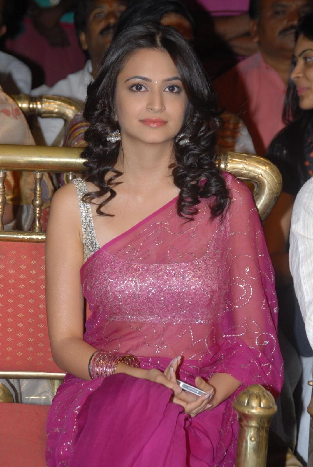 Kriti Kharbanda Latest Nice Stills In Red Saree