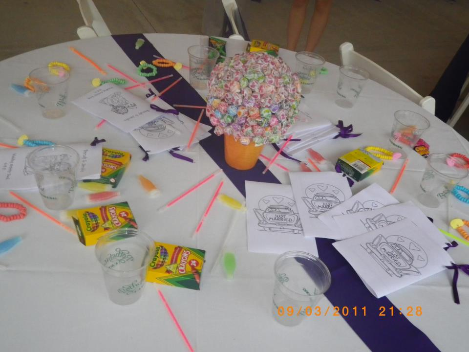 Didterest reception kids 39 table for Fun things for wedding receptions