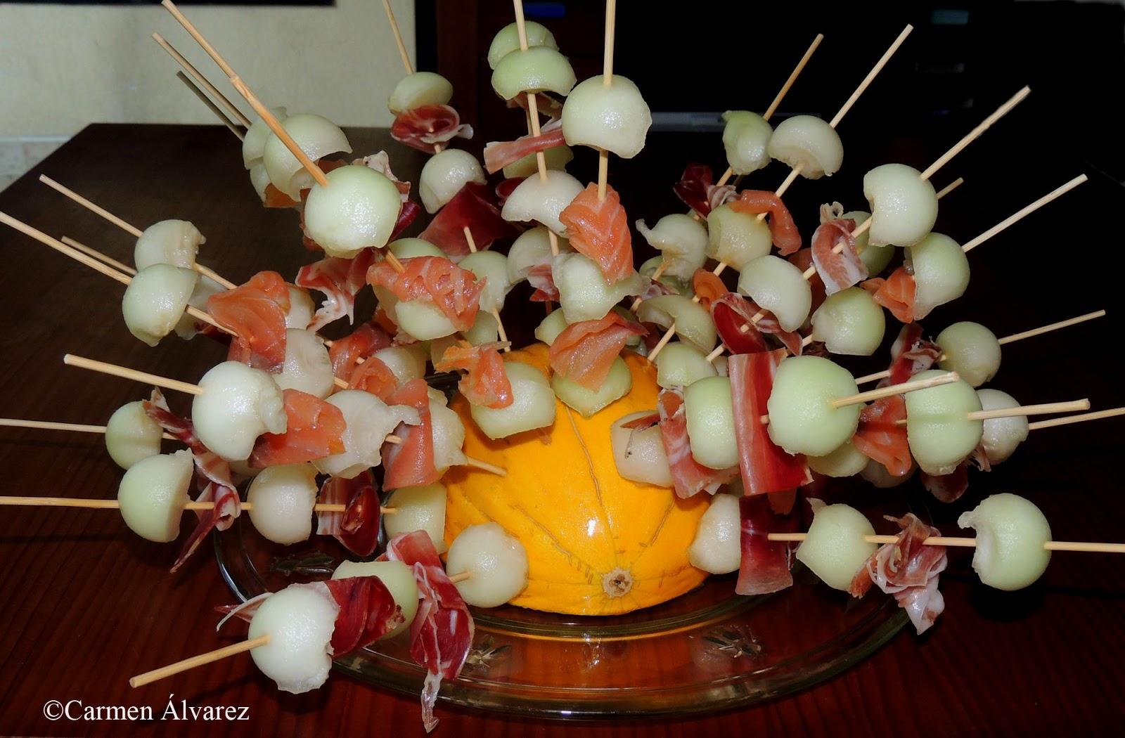El placer de cocinar brochetas de mel n con jam n y con for Comida rapida para invitados