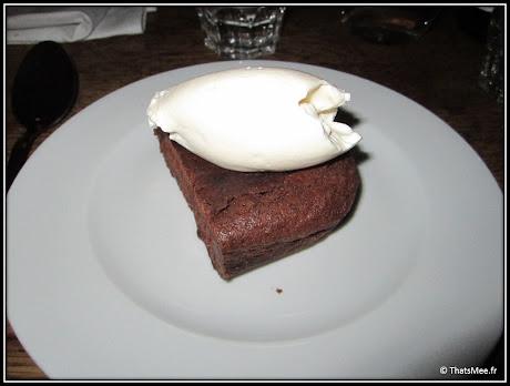 nouveau resto bistrot Poulette rue Etienne Marcel Paris, dessert gâteau chocolat
