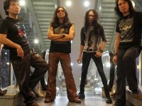 Powerslaves - Seratus Persen Rock N Roll