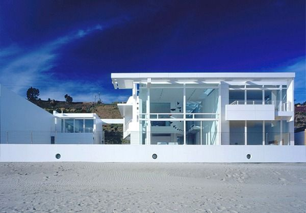 Modern white beach house interior design in california Modern beach house plans