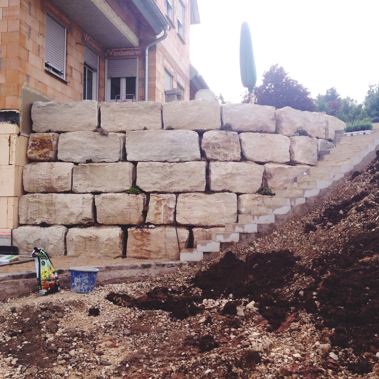 Wir bauen ein Haus - Terrassen sind fertig! Los geht\'s mit dem ...
