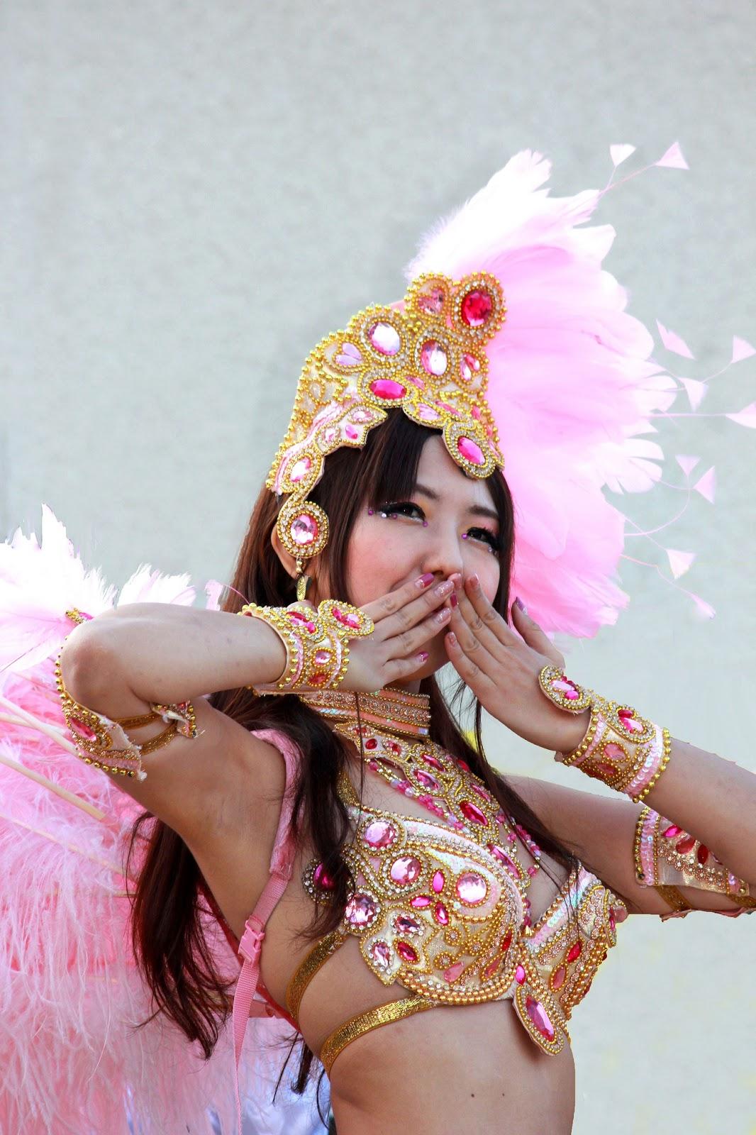 Samba dancer - This photo was taken on November 3, 2012 using a Canon EOS Kiss X4, by tanakawho.