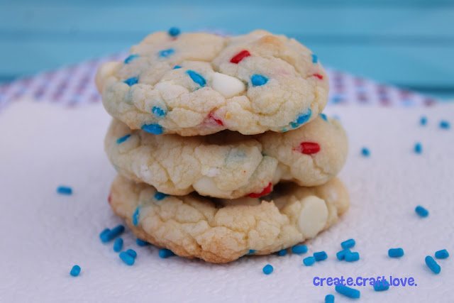 Firecracker Cookies via createcraftlove.com #cookies #recipes