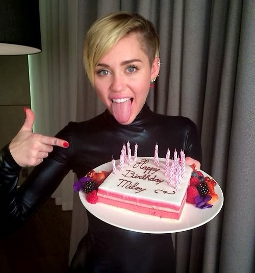 Miley Cyrus 21st birthday cake