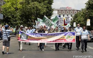 Marșul pentru Normalitate: Manifestanții - pro-valori familie tradițională și anti-propagandă gay