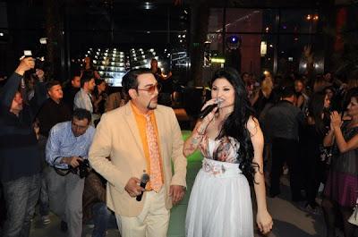 Софи Маринова ще представя страната ни в Евровизия, а приятели и колеги я изпратиха официално снощи с голямо парти в шоурум в столицата.