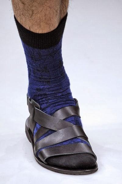 IsseyMiyake-Calcetín-sandalia-elblogdepatricia-shoes-zapatos-scarpe-calzature