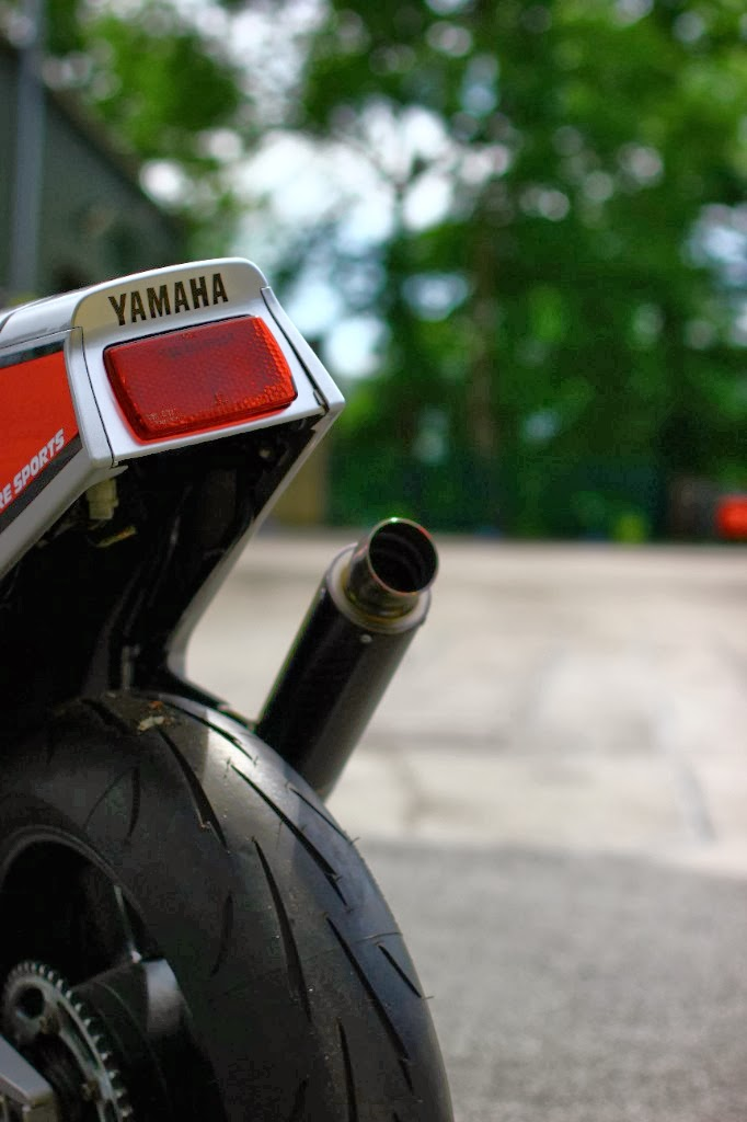 Yamaha FZ 750 - Page 3 Fz+750-004
