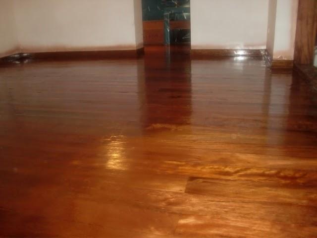 Decoraciones manualidades en madera pintar pisos de madera for Pintar entrada piso