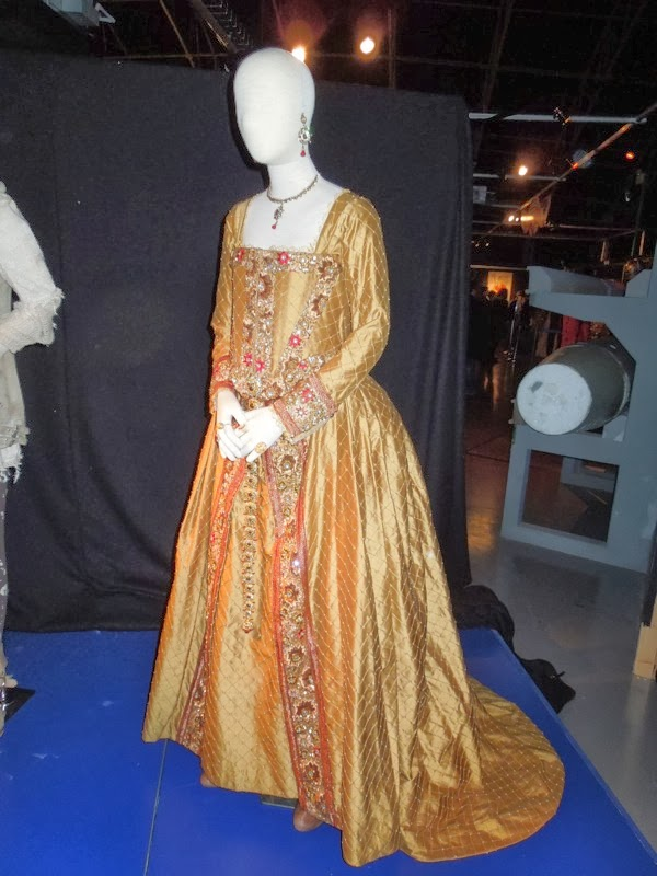 Day of the Doctor Queen Elizabeth I costume Doctor Who