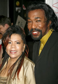 In Memorian  Nickolas Ashford (4 de maio de 1941 - 22 de agosto de 2011)