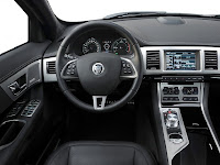 Review : Jaguar XF 2012