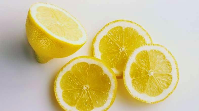Không sử dụng nhiều thực phẩm chứa nhiều a-xít để bảo vệ răng được khỏe mạnh