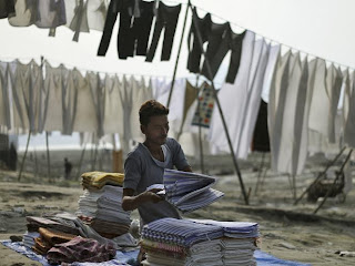 Tidak Ada Mesin Cuci Tidak Ada Detergen, Beginilah Laundry Ala India