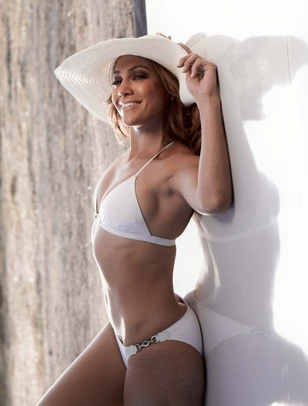 Jennifer Lopez En Bikini Al Natural Sin Shop