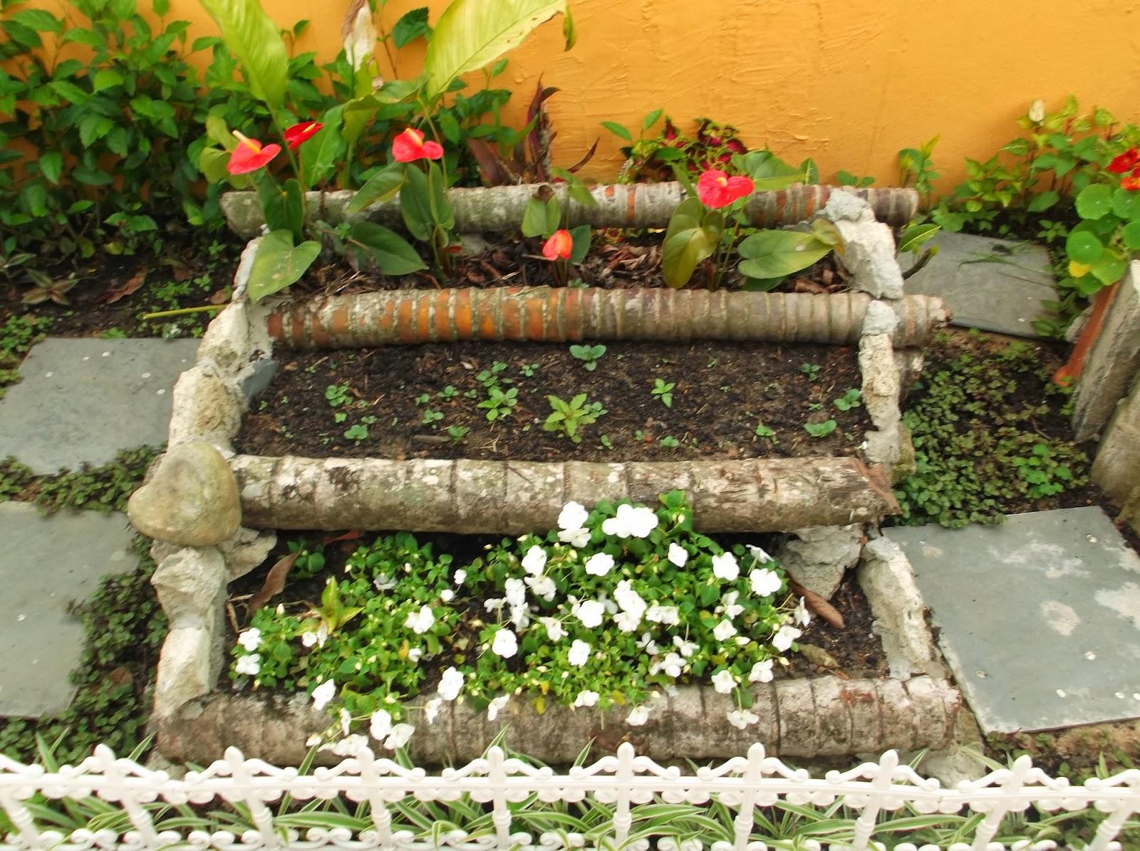 fotos jardim quadrado:MEU QUADRADO: FLOREIRAS EM DEGRAUS, CONFECCIONADAS COM PEDRAS OU