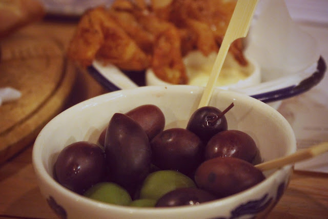 nibbles at the botanist olives