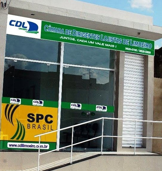 Integrum Consultoria e Marketing realiza programa de treinamento comercial na CDL Limoeiro