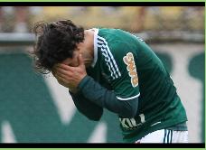 En Brasil sindican a Valdivia como uno de los responsables del mal momento del Palmeiras