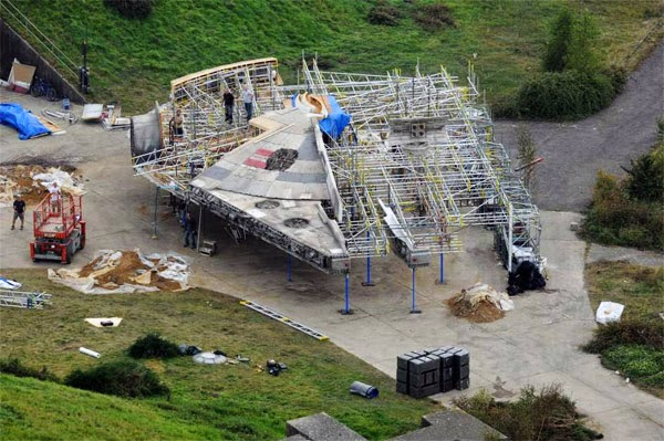 Millennium Falcon Star Wars 7 leaked photo